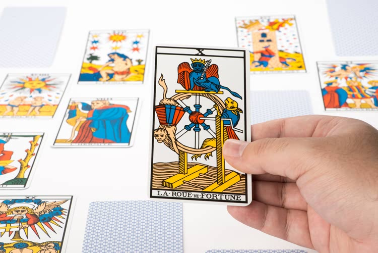 Signification de La Roue de Fortune dans le tarot